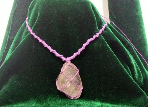 colar hippie amuleto cordão macrame fio encerado  pedras