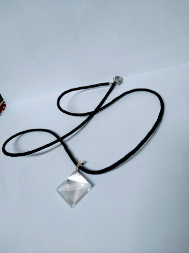 colar pingente piramide de cristal transparente unissex joia