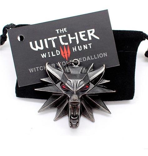 colar pingente the witcher 3 geralt lobo olhos vermelhos