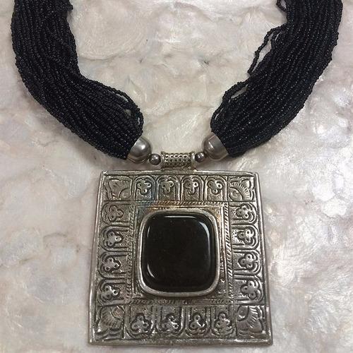 colar tibetano micanga medalha quadrada - importado da índia