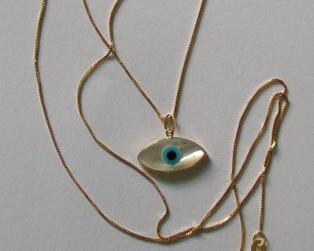 fbc770c7cc2da colar veneziana ouro 18k + pingente olho grego madrepérola. Carregando zoom.