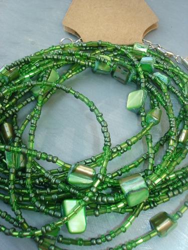 colar verônica de miçangas e pedras brasileiras verde