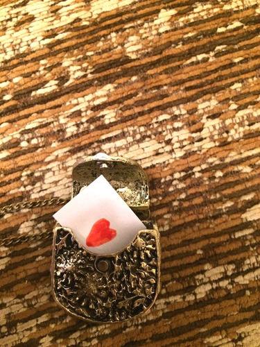 colar vintage 3d retro bolsa flor abre fecha ouro velho