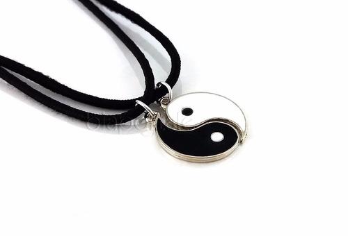 colar yin yang duas metades amizade branco e preto
