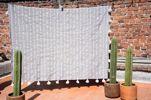colcha artesanal de lana - matrimonial gris raya blanca