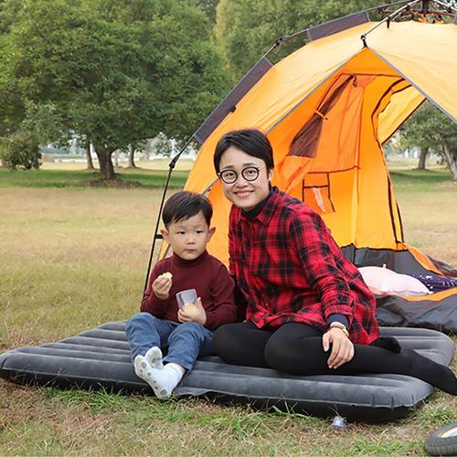 colchón inflable para viaje con apoyacabeza incorporado