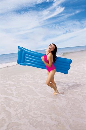 colchoneta inflable agua pileta colores 183 x 69 cm bestway