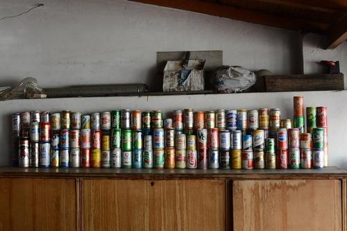 colección de 144 latas de cervezas, gaseosas y jugos