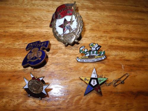 coleccion de insignias celtas de variados temas y calidades
