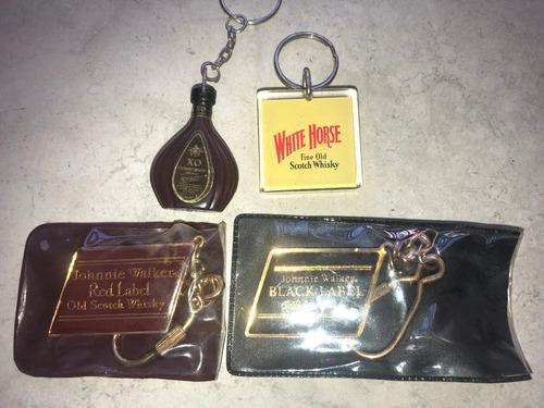 colección de llaveros de whisky cognac johnnie walker horse