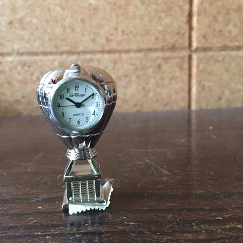 colección de relojes miniatura le temps