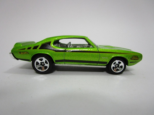 coleccion hot wheels pontiac gto 7cm largo escala 1/64