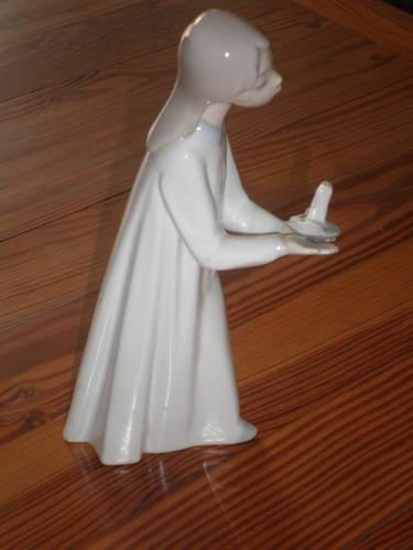 coleccionistas - porcelana lladro -niña con candelabro