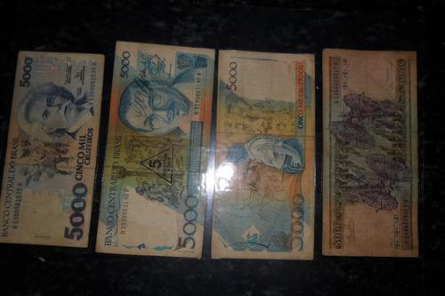 coleção com cédulas moedas