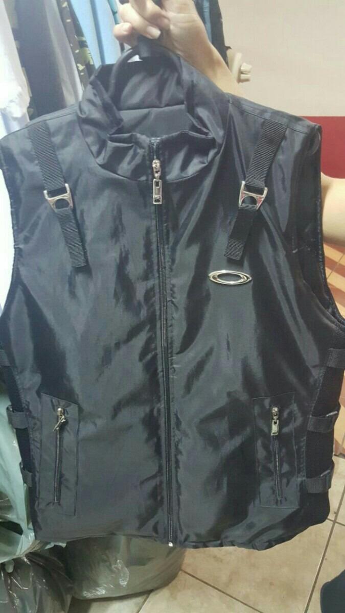 f76d29886c0 colete da oakley ap vest série elite. Carregando zoom.
