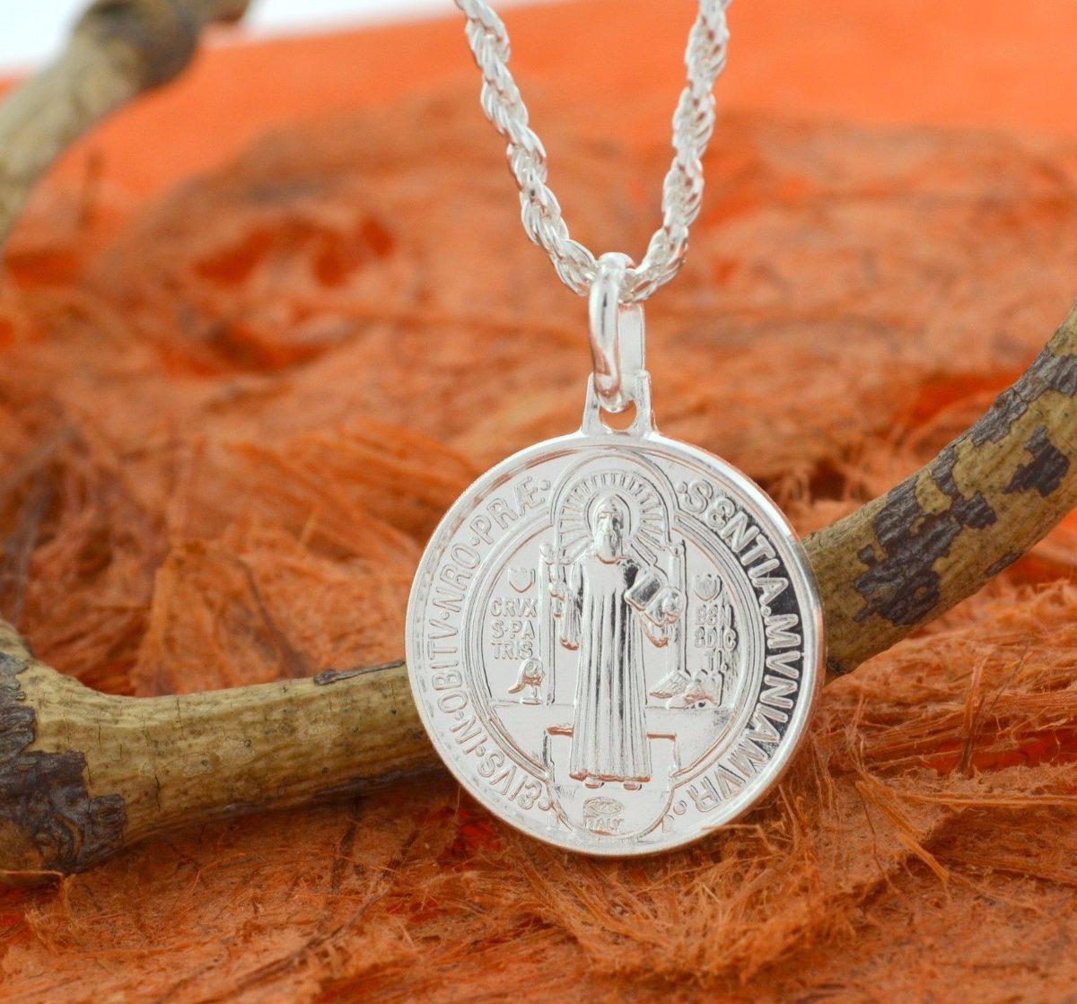 ec6ae7e7e08 Colgan Medalla San Benito 1.7 De Plata Nacional Linda 002 -   17.990 ...