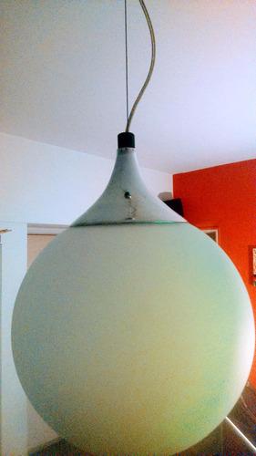 colgante globo de vidrio satinado b. cons. led acc. cromados
