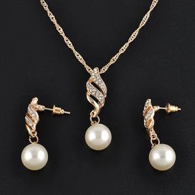 fd0ffd9eec32 Collar De Perlas Imitacion Bijouterie - Joyas y Relojes en Mercado Libre  Argentina