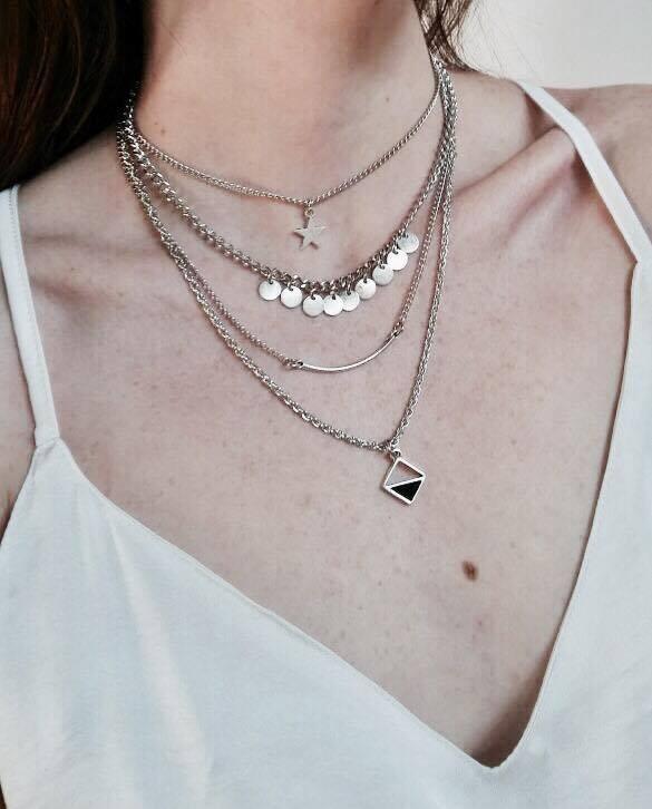 1d9359078bf1 Collar 4 En 1 Con Dijes Varias Cadenas Finito -   165