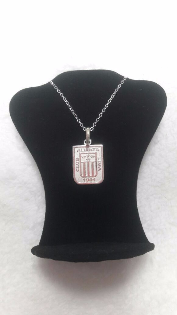 be398f07c8b2 collar alianza lima - en plata 950. Cargando zoom.