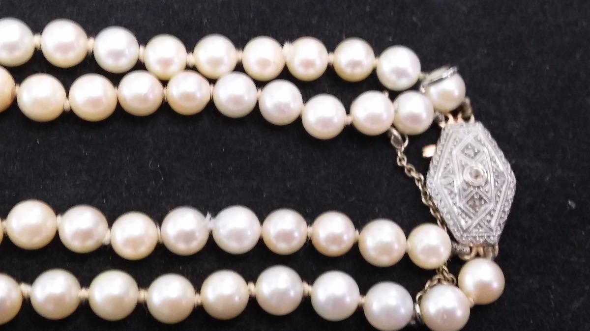 b6cd2f448f45 collar antiguo de perlas cultivadas con broche de oro 18 kts. Cargando zoom.