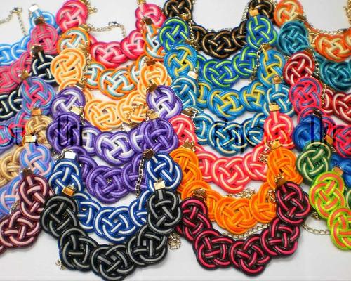 collar bisuteria nudo celta en piel de serpiente y cadena