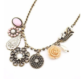 88411d49f225 Collar Colgante Cadena Con Dijes Brillantes Flor Perlas Moda