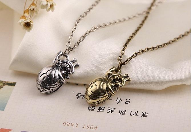 3e9fede0d423 Collar Corazón Anatómico 3d Latido De Corazon Dije Moda - Bs. 20.316 ...