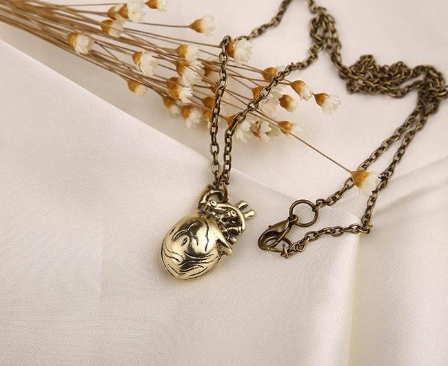 Collar Corazón Anatómico 3d Latido De Corazon Dije Moda - Bs. 6.794 ...
