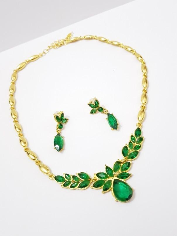 0ad24eb0dad2 Collar Cristal Verde Con Aretes Dorado Y Envio Gratis -   351.00 en ...