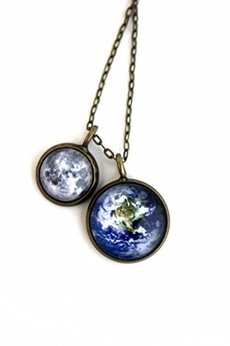 collar de capas de tierra y luna (tono antiguo de bronce)