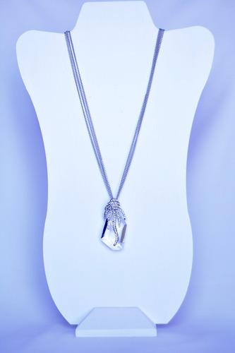 collar de cristal con garra, plateado