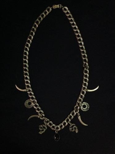 collar de dama en metal