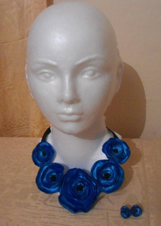1cd935776874 Collar De Flores De Tela Daa -   200.00 en Mercado Libre