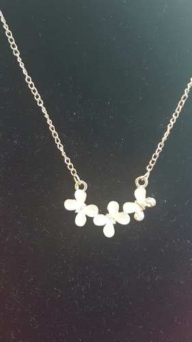 collar de mariposas de opalo con brillantes con dedicatoria