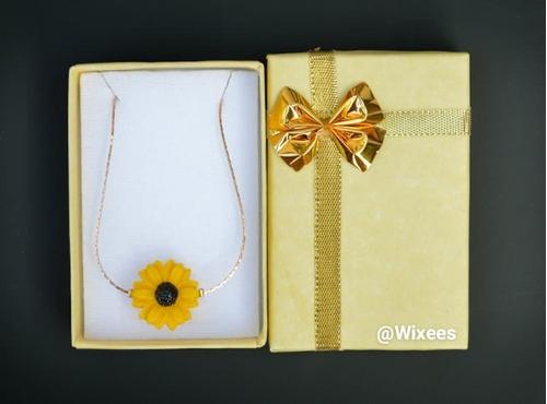 collar de oro laminado 18k y par de aretes de girasol