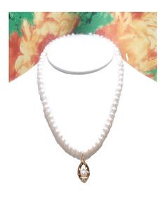 96abe5dfb89d Collar De Perla Cultivada Elegante Dije Chapa De Oro A039