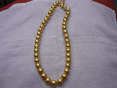 collar de perlas  nacar ( shell pearl) con broche de plata