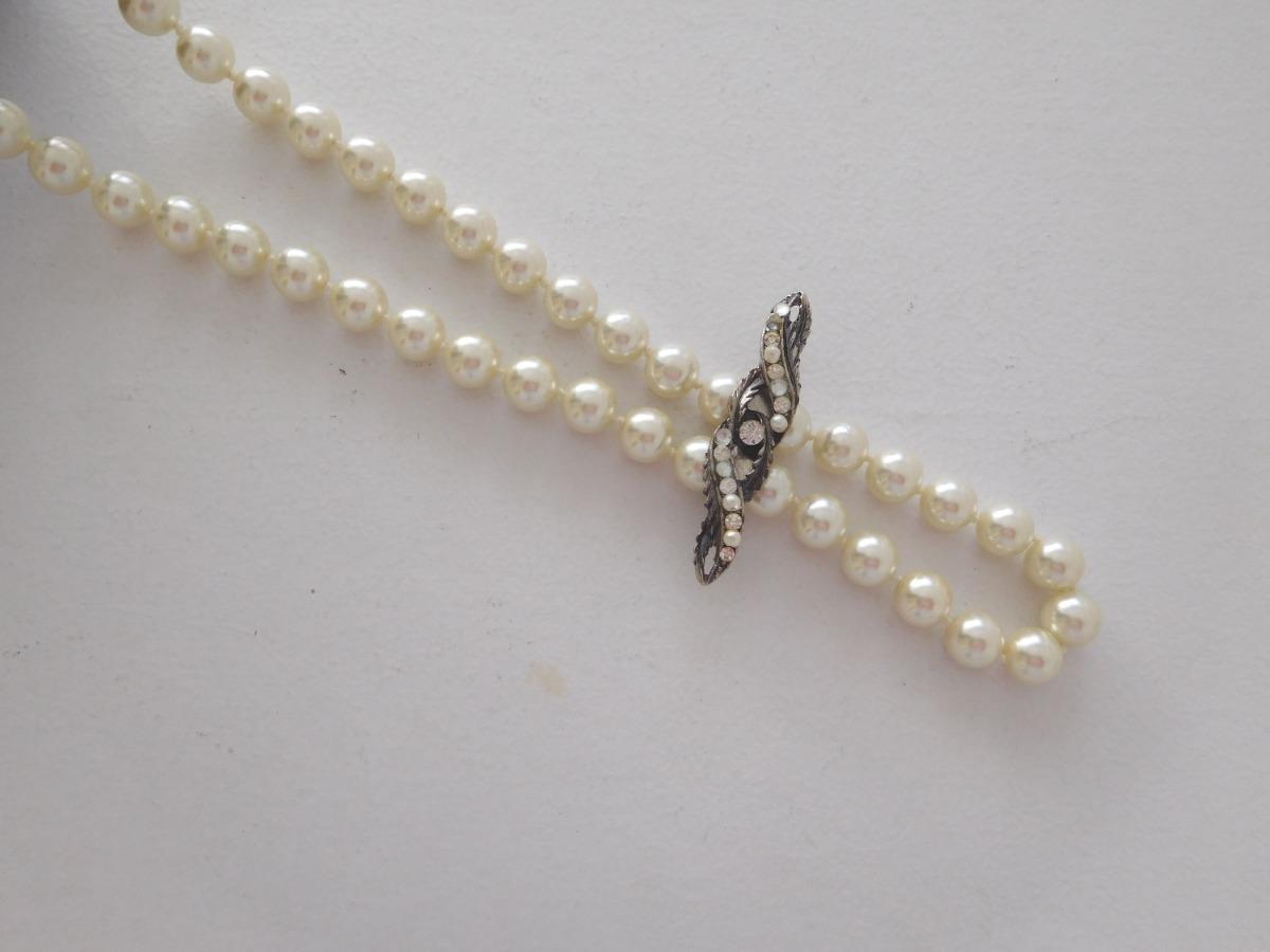 0745d1428cbe collar de perlas vintage color natural con prendedor. Cargando zoom.