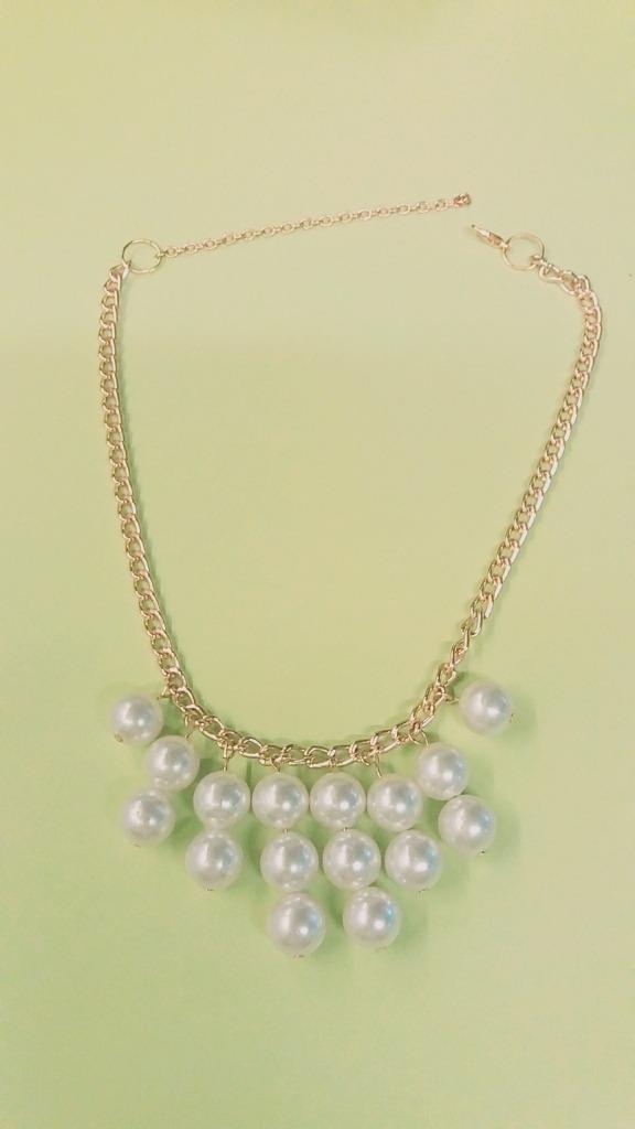407ce9b52e45 collar de perlas y cadena dorado. fantasia. Cargando zoom.