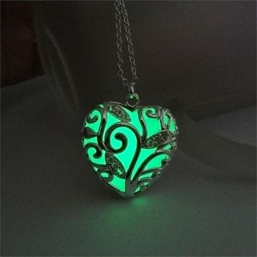 collar dije corazón brilla en la oscuridad luminiscente dama