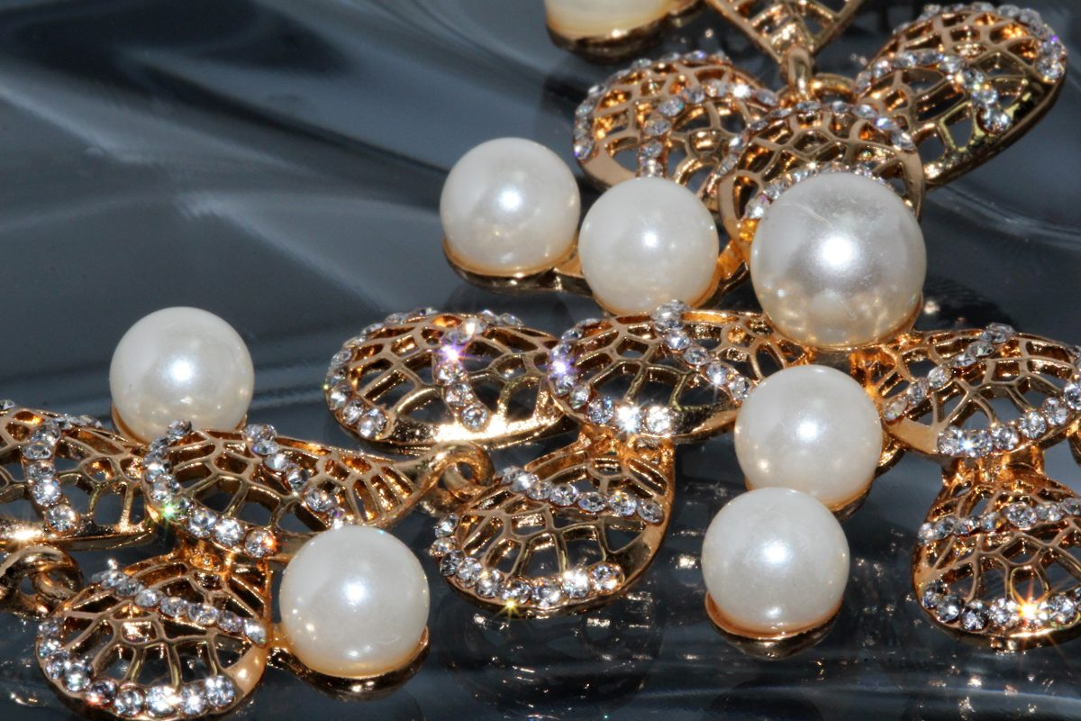 30a8ea01330b Collar Dorado Cristales Y Perlas Elegante Joyeria Cc22 -   299.99 en ...