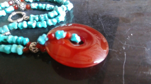 collar elegante autentico de turquesa, plata y jazpe.