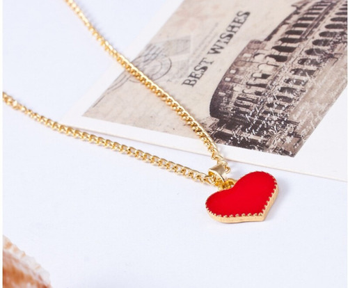 collar en forma de corazon (color rojo)