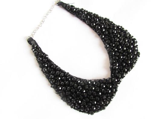 collar estilo retro adornado a mano con perlas