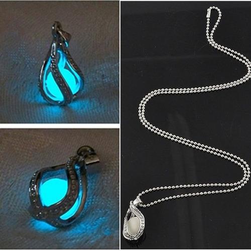 collar fosforescente. brilla en la oscuridad