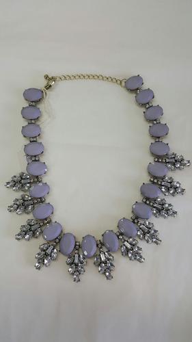 collar hermoso tono lila con brillos hermoso!