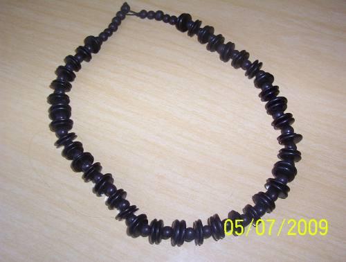 collar hindú negro