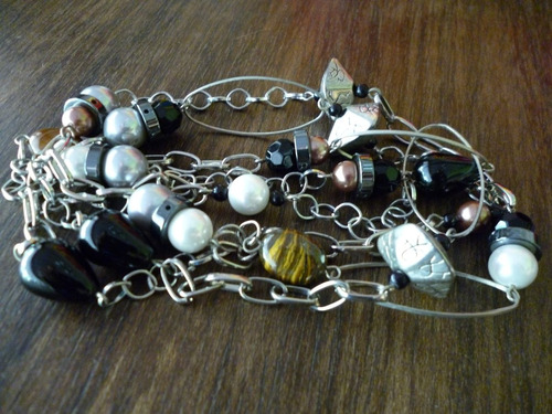 collar largo de perlas y piedras semi-preciosas