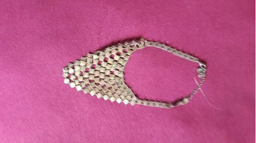 collar lbel